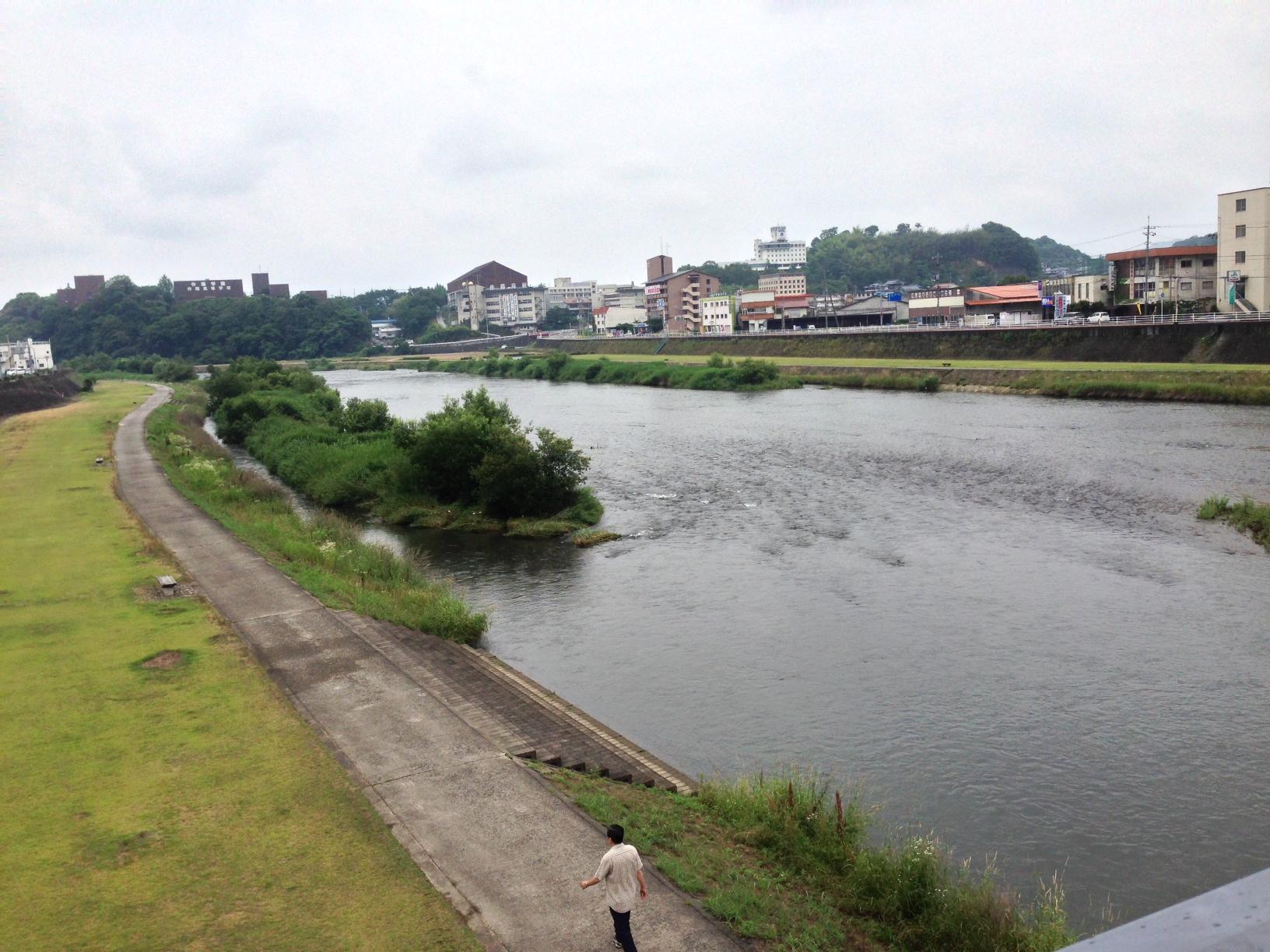 tuyamagawa.JPG